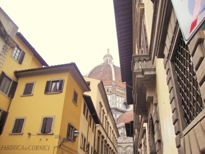 A peek of the Duomo