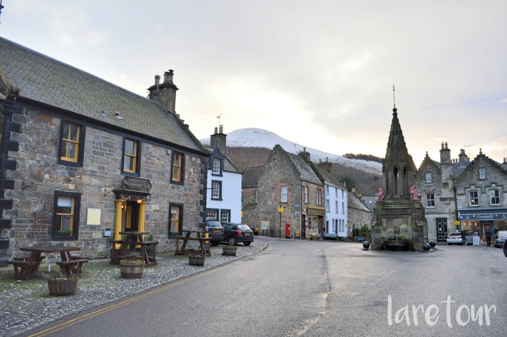 Falkland village square before walking in the Lomond Hills