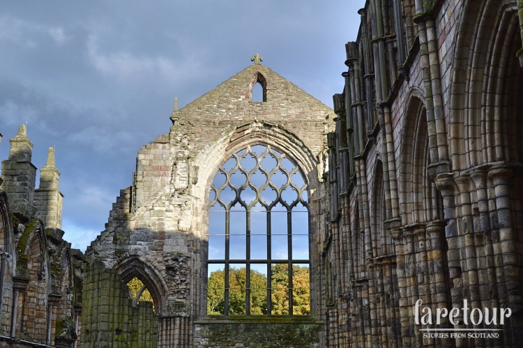 holyrood-palace-autumn-003