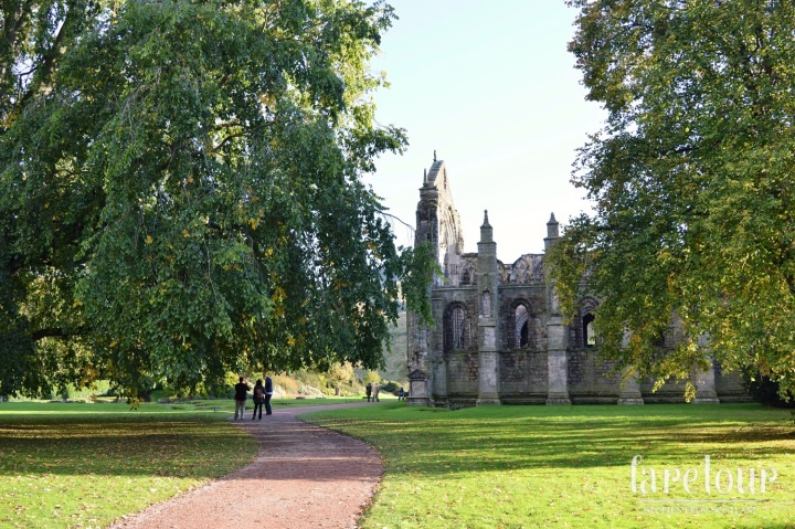 holyrood-palace-autumn-005